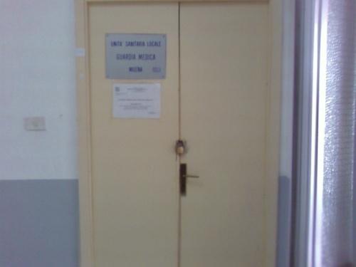 Da luned 17 non aprite quella porta milocca for Porta chiusa