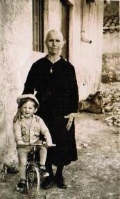"""Anna Palumbo """"LA BARUNA"""" con il nipotino Gioacchino Provenzano"""