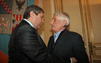 Salvatore Cuffaro saluta l'onorevole Salvatore Cintola (Udc)
