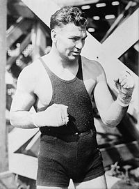 """William Harrison Dempsey detto """"Jack"""" era un pugile Usa campione mondiale dei pesi massimi dal 1919 al 1926. Estremamente combattivo fu chiamato il massacratore, il mangiatore di uomini e Il tigre. Vinse 70 incontri (50 per k.o.)"""