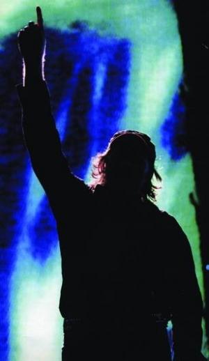 Vasco rossi, da decenni tra i cantanti italiani più popolari e