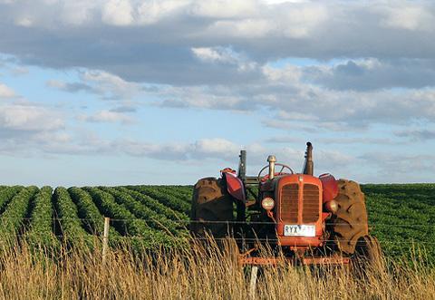 Agricoltura-e-trattore