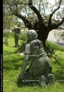 monumento-di-oliva-raccoglitrici_28475