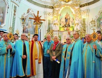 Alberto II del Belgio e Paola Ruffo di Calabria insigniti del titolo di confrati ad honorem