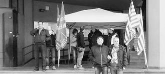 Al sit-in attuato ieri mattina davanti al Municipio di Serradifalco erano presenti anche alcuni sindacalisti della Cgil e della Cisl