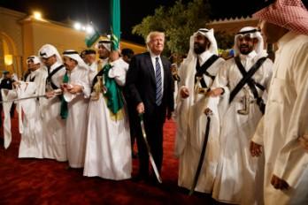 Le foto di Trump in Arabia Saudita