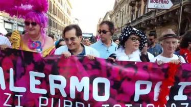 Gay_pride (2)-khrD--640x360@CorriereMezzogiorno-Web-Mezzogiorno