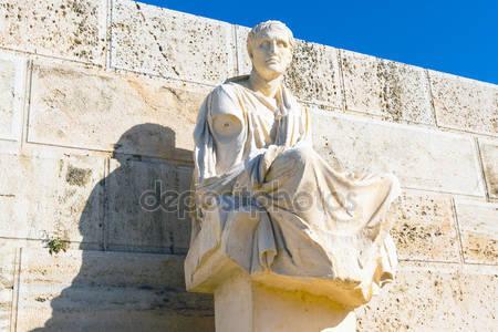 depositphotos_127820260-stock-photo-statue-of-menander-acropolis-athens