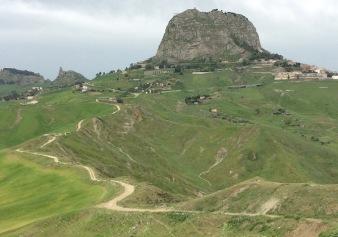 magna-via-francigena-Grotte-M.-Paolino