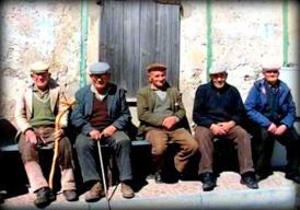 Anziani-con-coppola