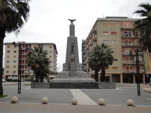 Comune-della-Sicilia-piazza-degli-eroi